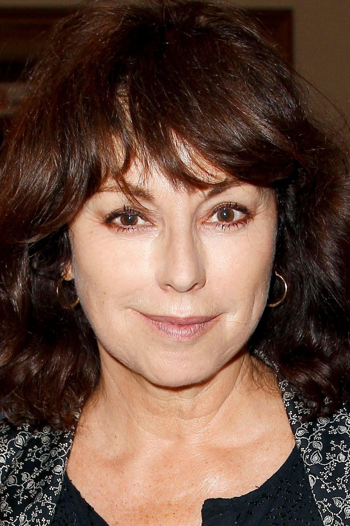 Julie Arnold