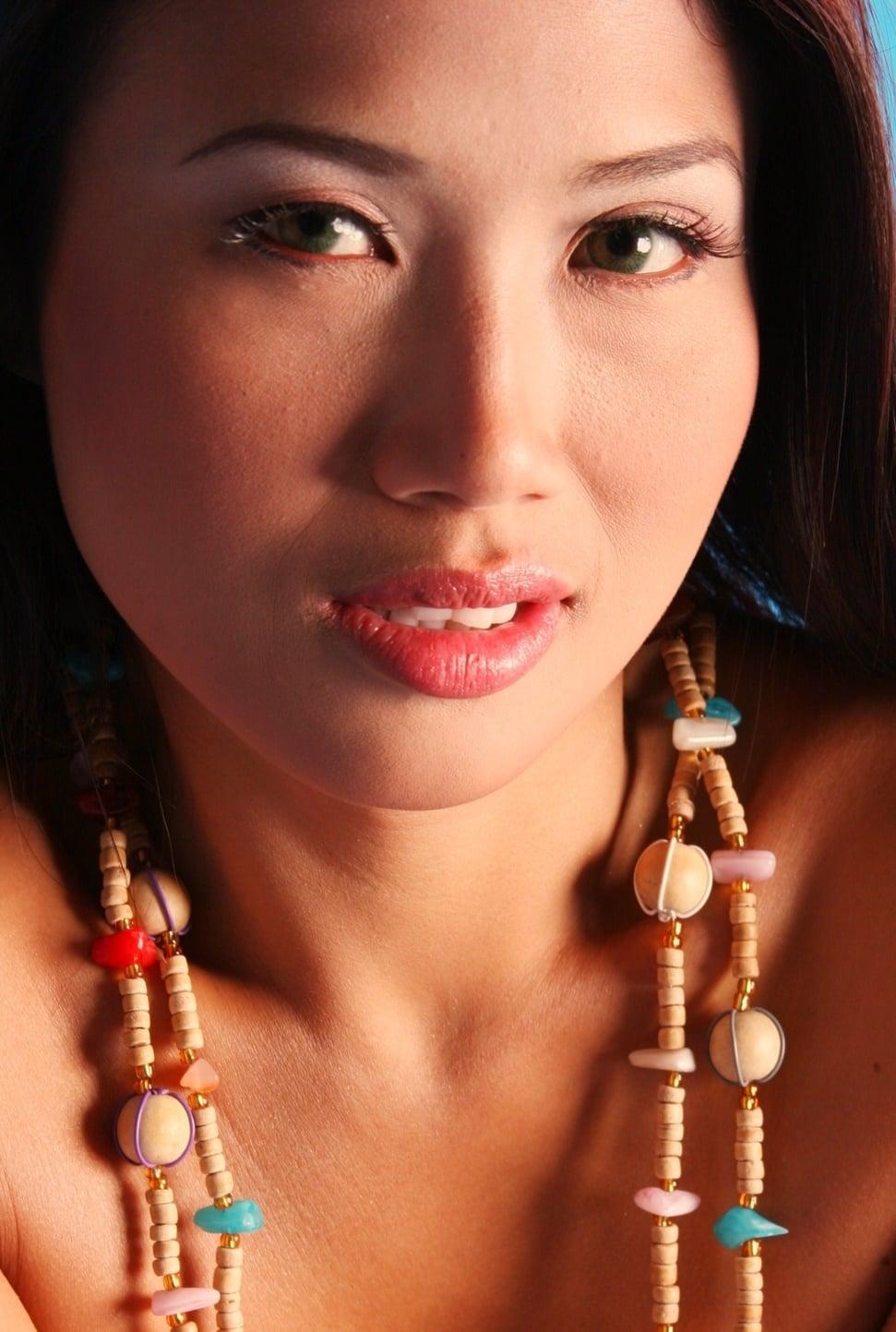 Yvette Yzon