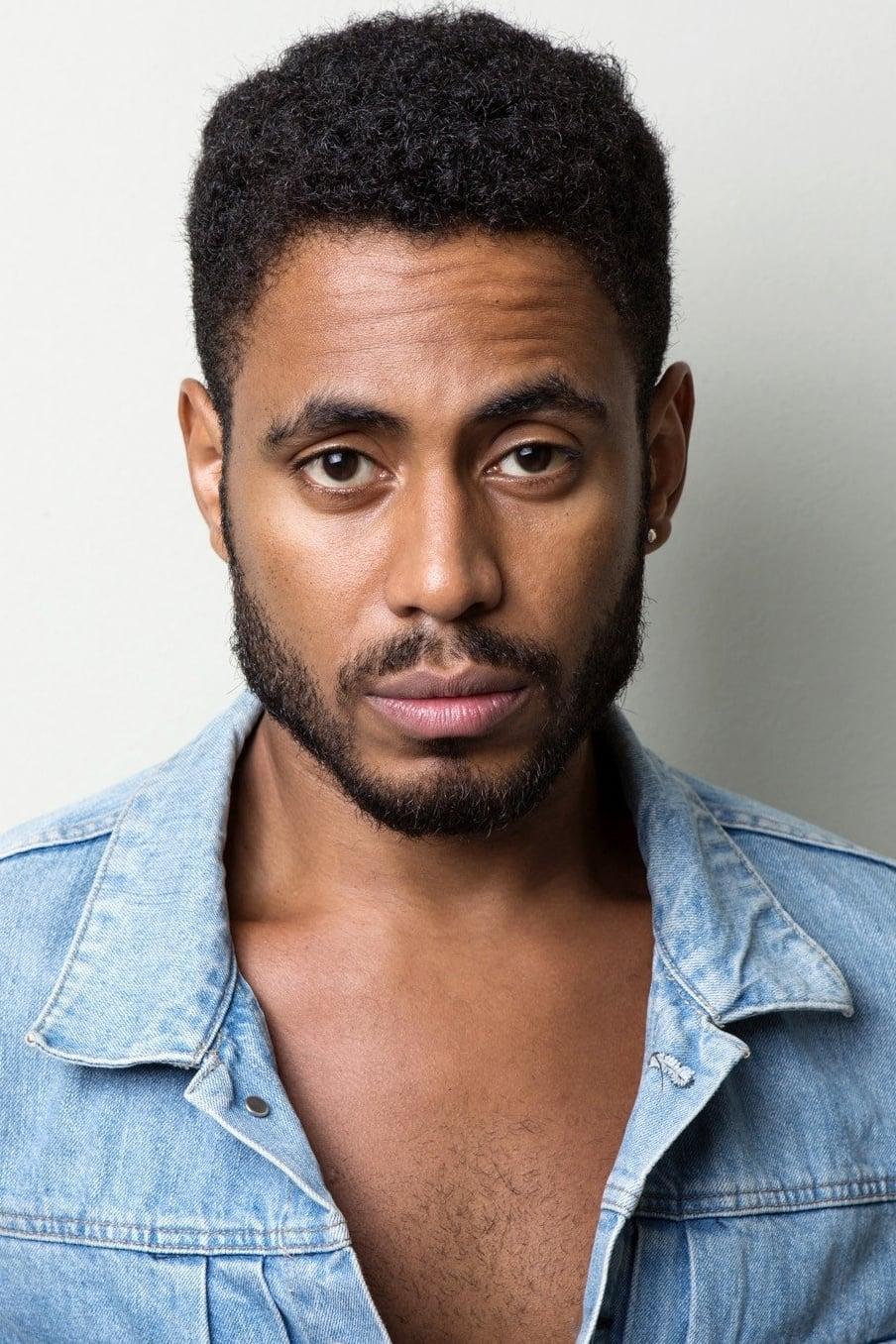 Ícaro Silva