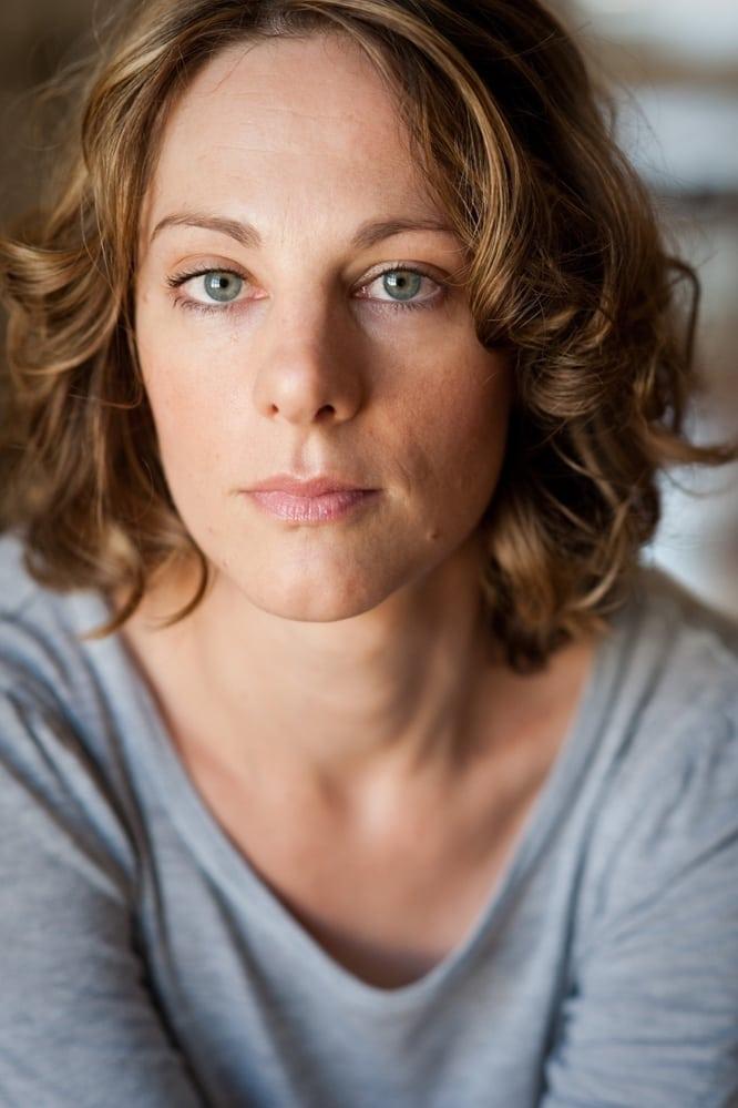 Julia Eder