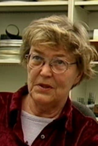 Evelyn Carow