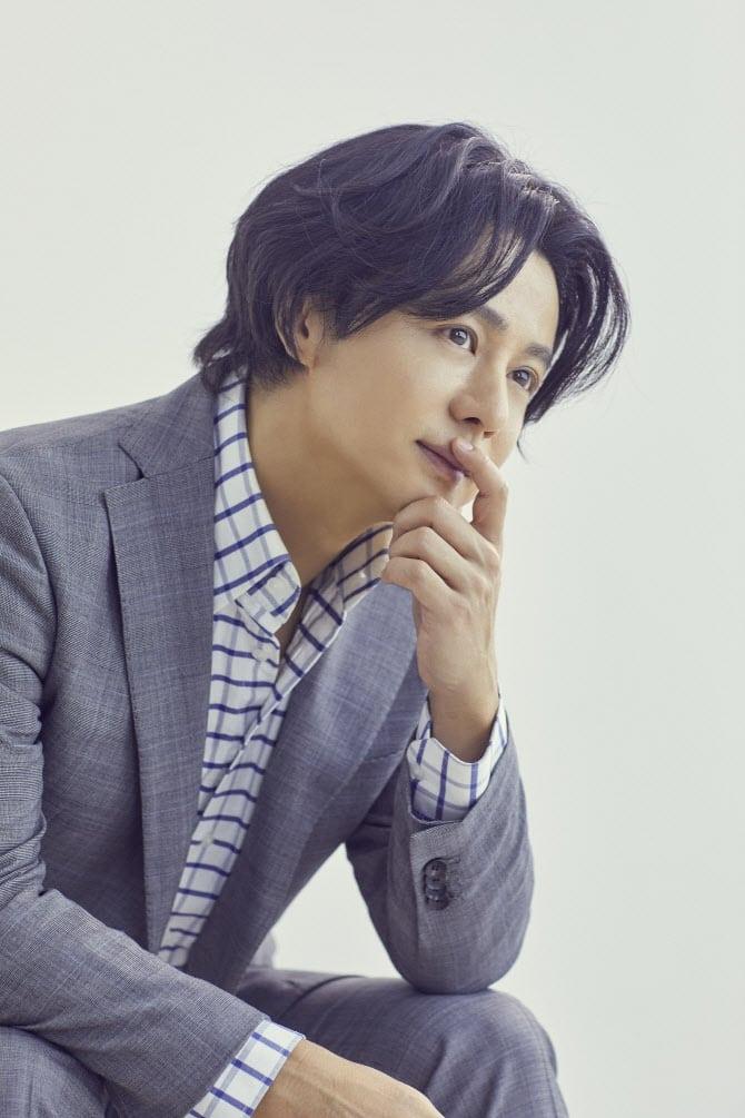Kang Ji-Hoo