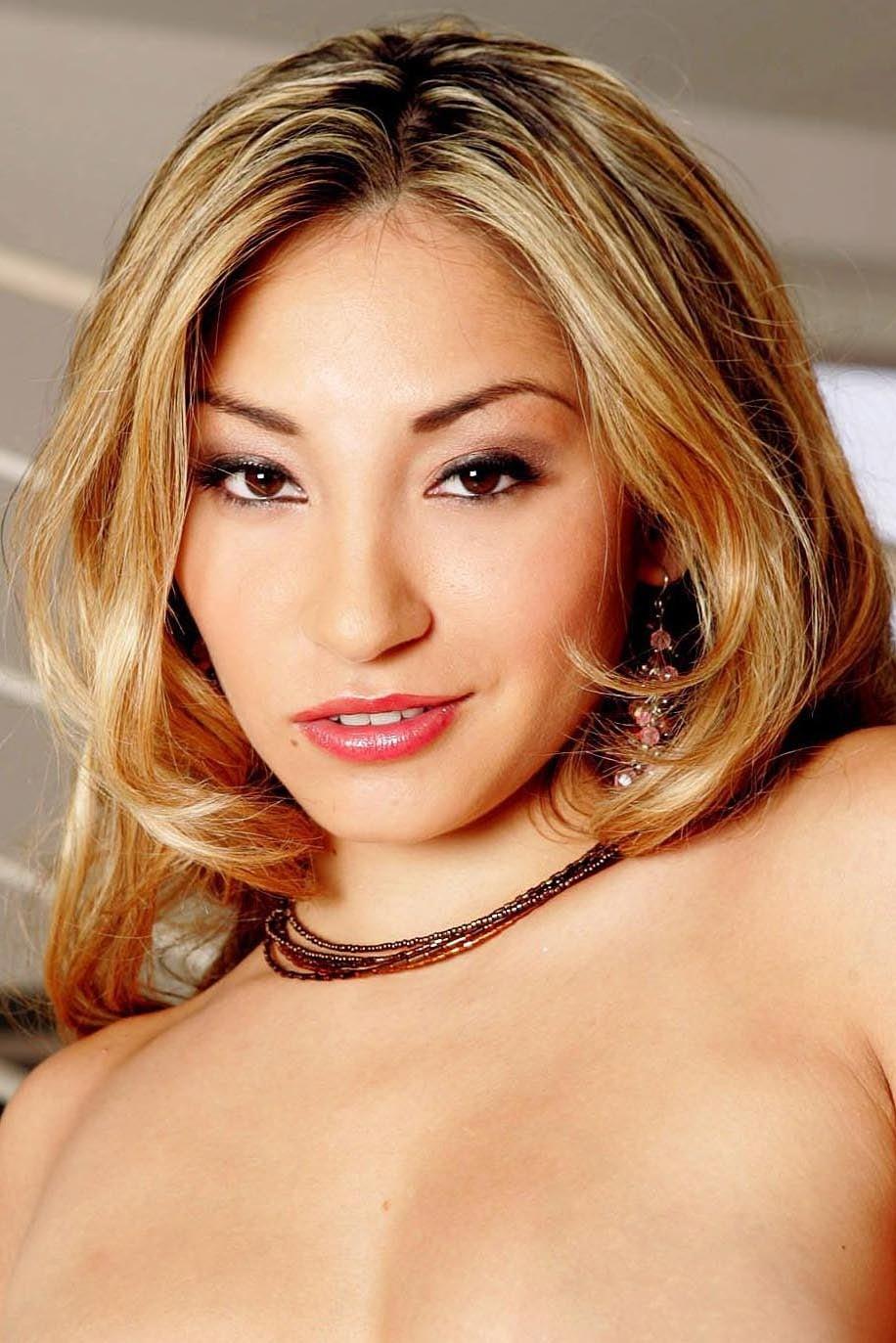Roxy Jezel