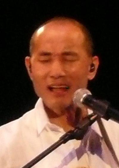 Lowell Lo