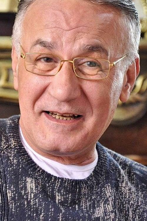 Ezzat Abou Aouf