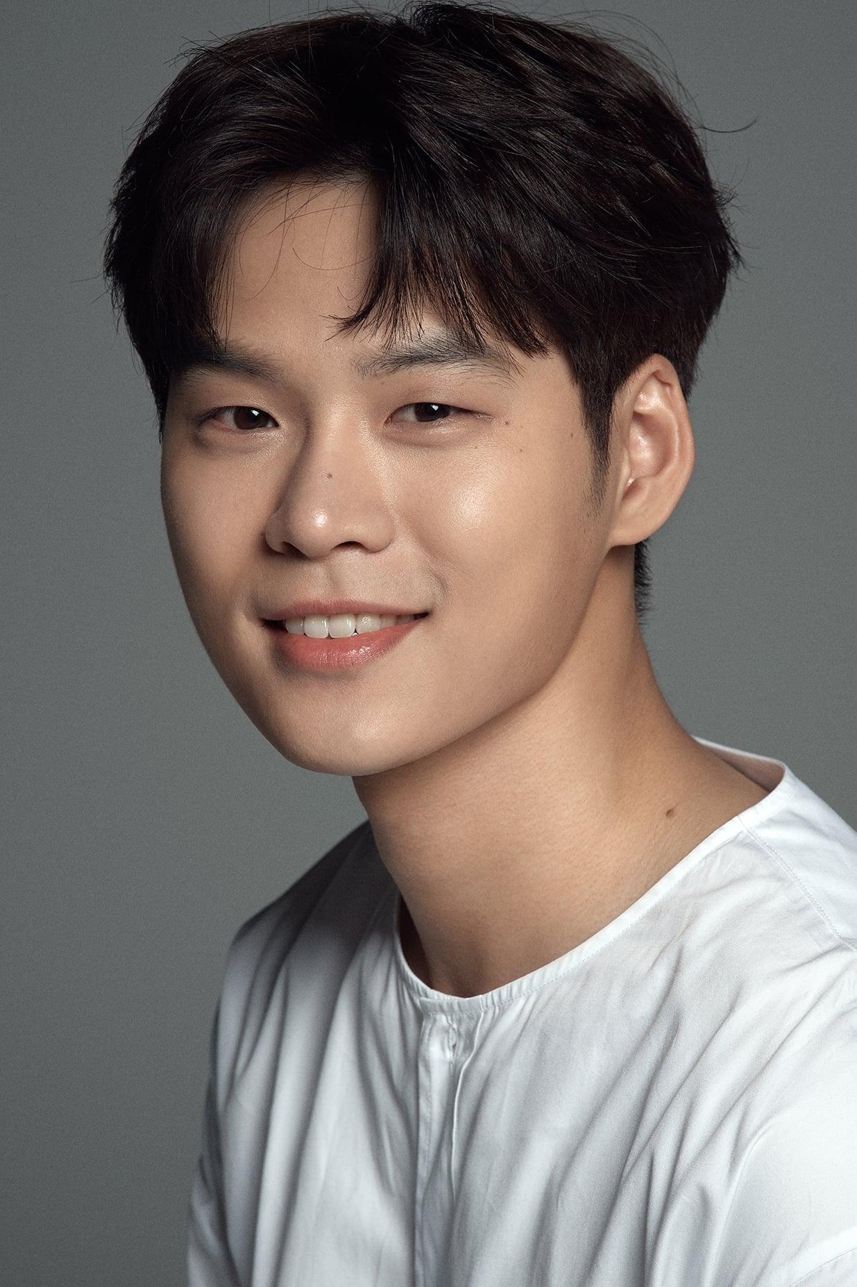 Yoon Ji-on