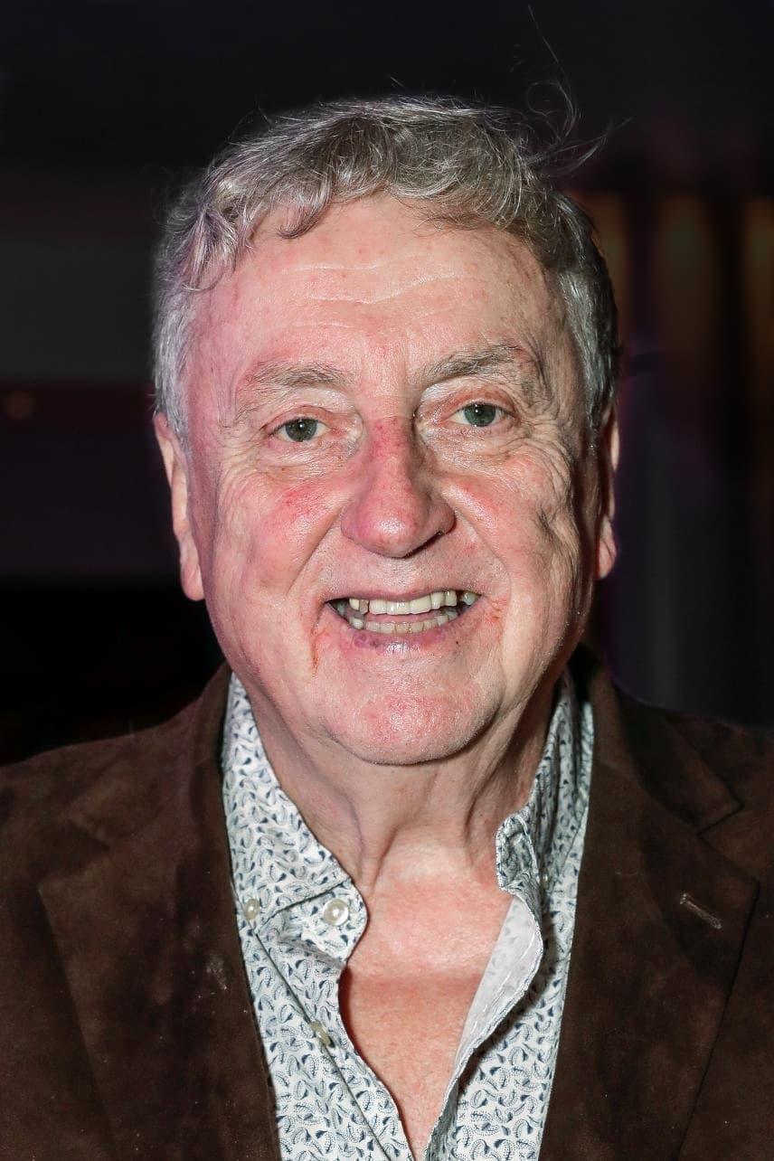 Desmond Barrit