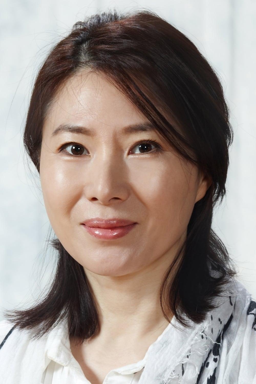Hwang Young-hee