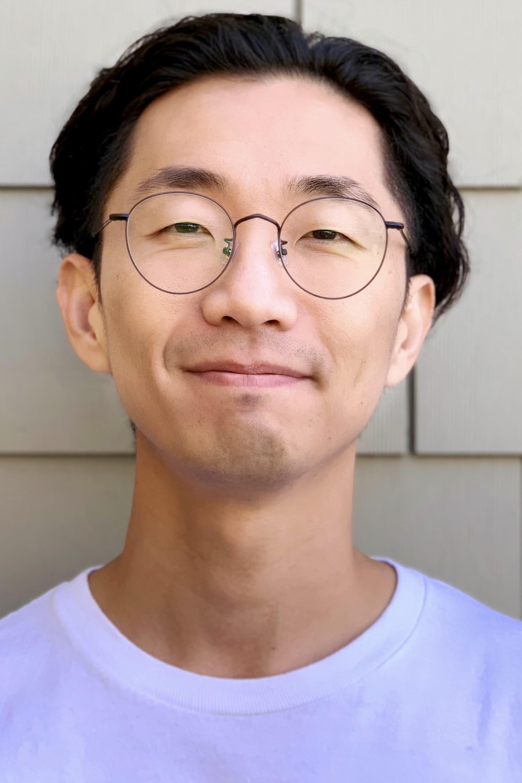 Sung-Jin Lee