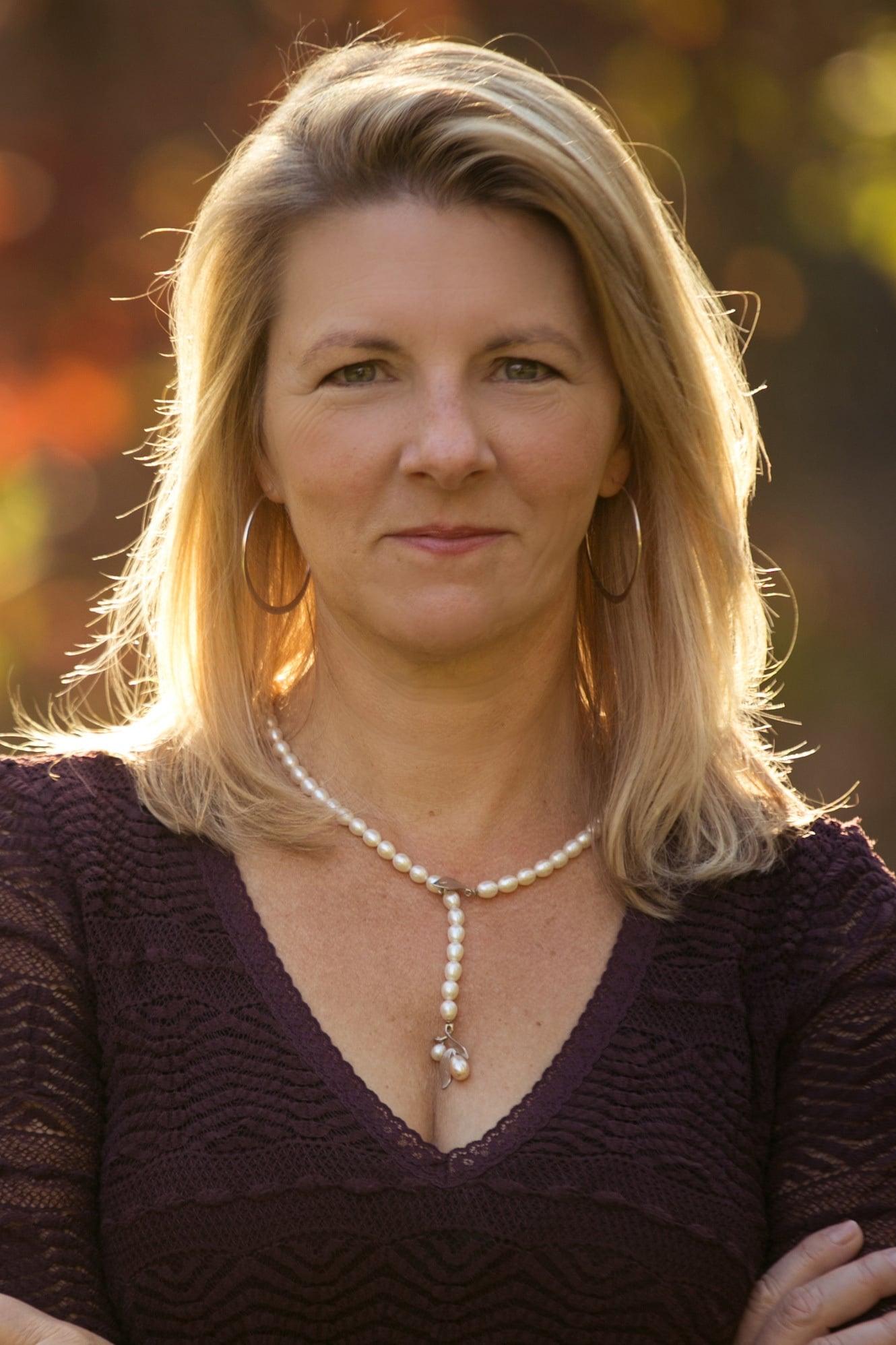Laurelyn Dossett
