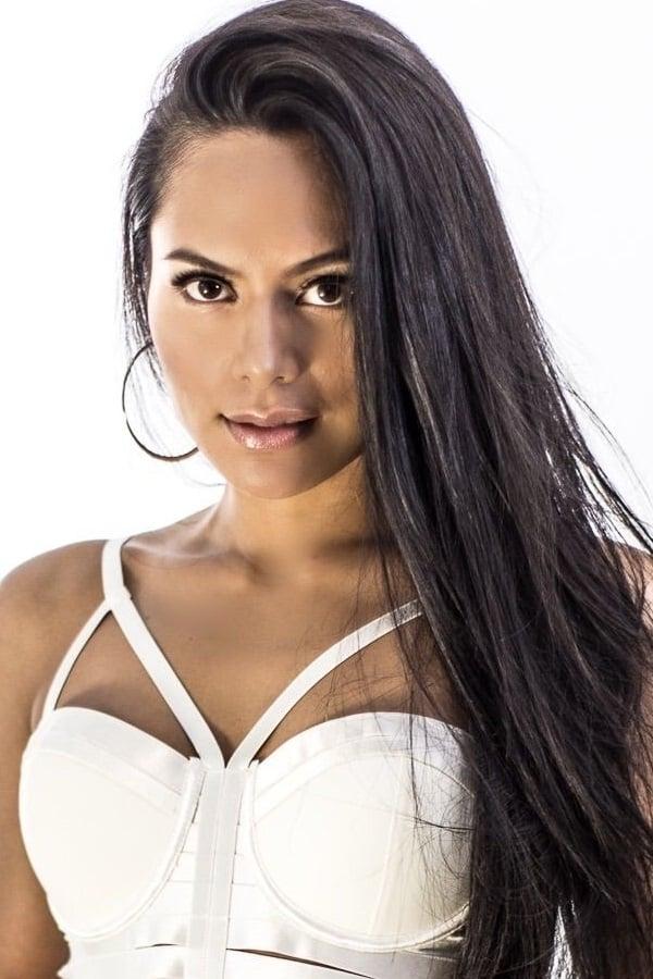 Nicole Hombrebueno