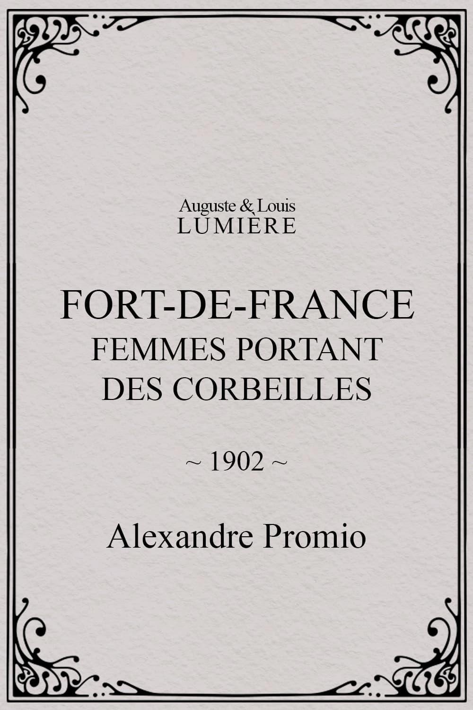 Fort-de-France : femmes portant des corbeilles